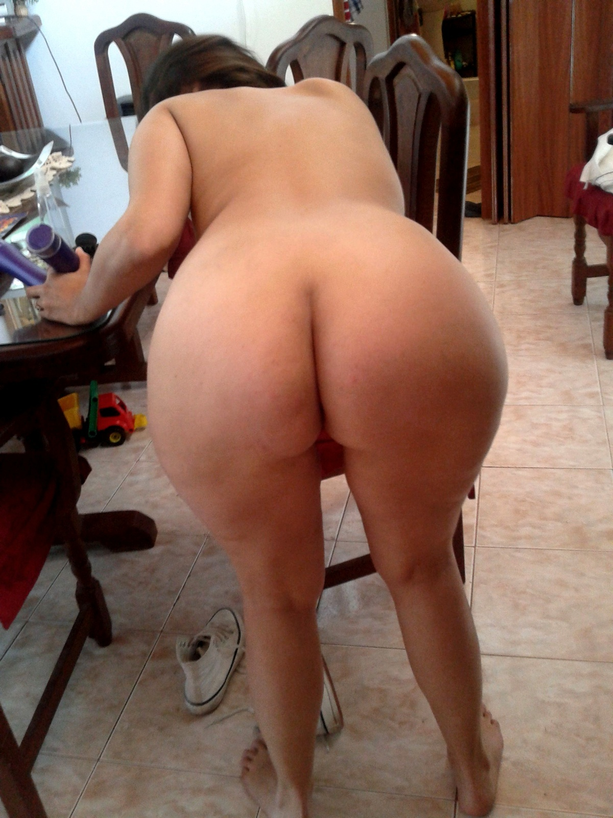 Naked photos of the biggest asses in  porn scenes
