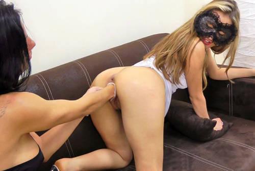 Veneisse and Hotkinkyjo in Extreme Dobule Pussy Fisting - HotKinkyJo.xxx (2012/ HD 1080p)