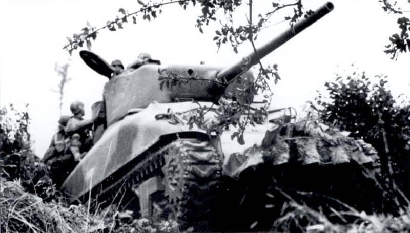 Sherman M4A1.( 76 ) W.. Italeri 1/35.. 169358814c3349053ed11b97c1ef7d2a7a36a69e