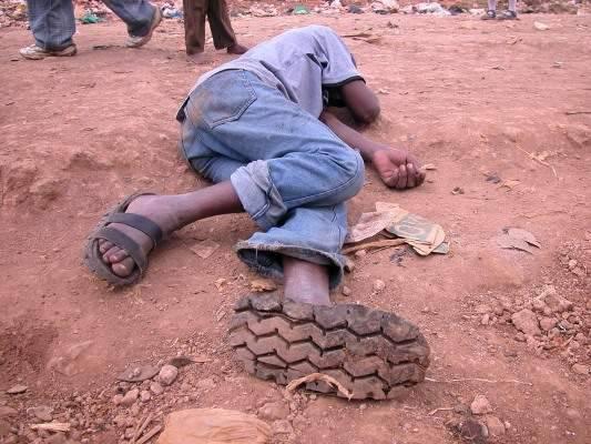 Afrykańskie sandały z opon 13