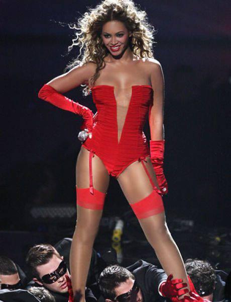 99 najseksowniejszych kobiet 2011 roku 77