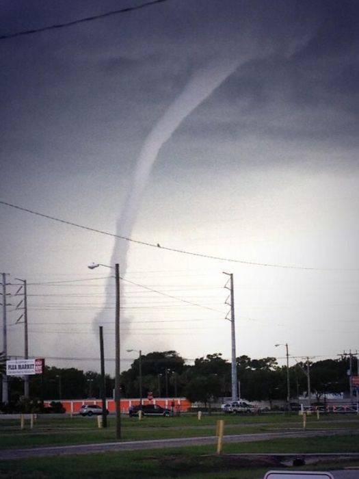 Wodne tornado 12