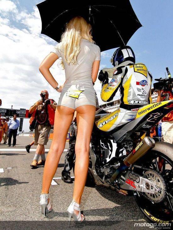 Dziewczyny z MotoGP 2010 18