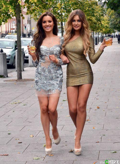 Dziewczyny w sukienkach 16
