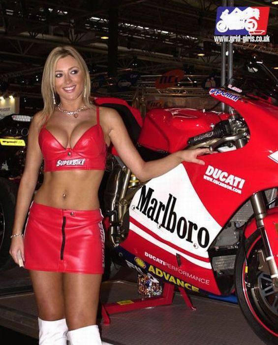 Dziewczyny Ducati 47