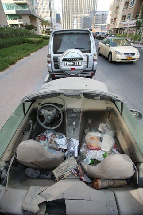 Opuszczone samochody Dubaju 7