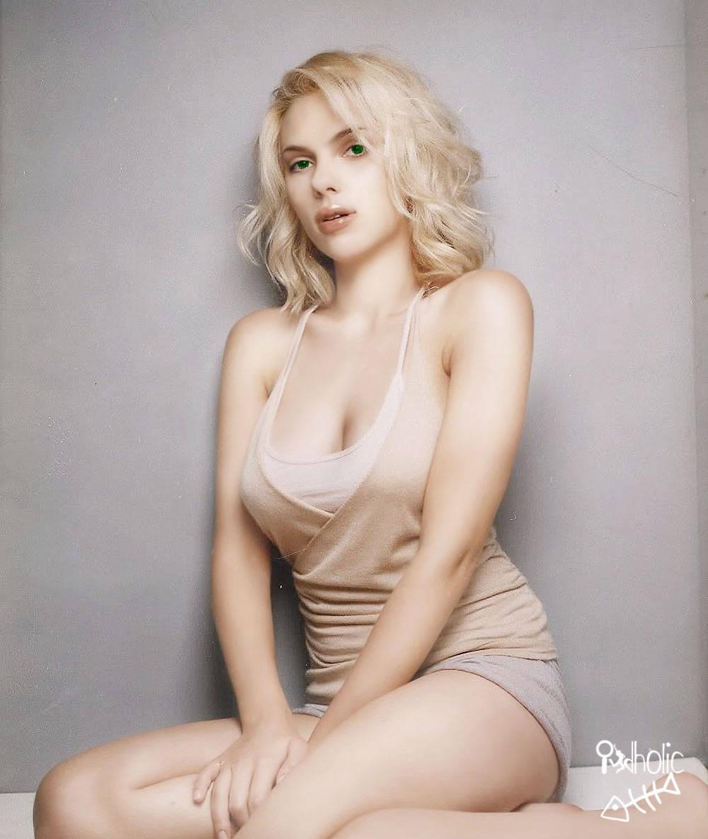genial - Scarlett Johansson Retouched