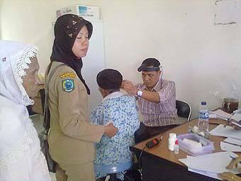 108237350d3cf08cc1e7b1a0405ec9b0b7f2b3f8 74 Pasien Katarak dan Gangguan Pendengaran Berobat Gratis di Paluta