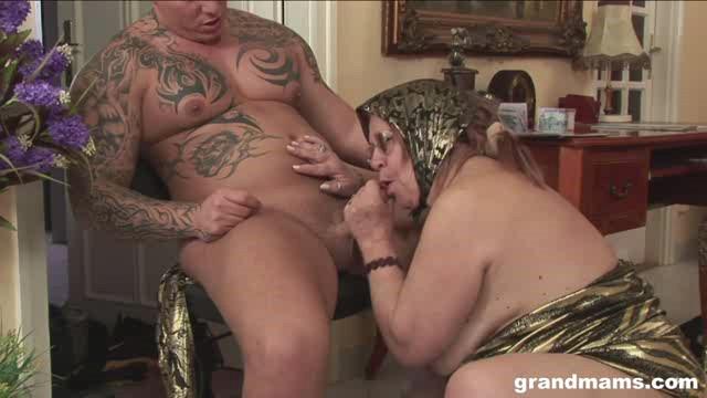GrandMams 18 05 22 Horny Granny Gets Sexual Satisfaction XXX