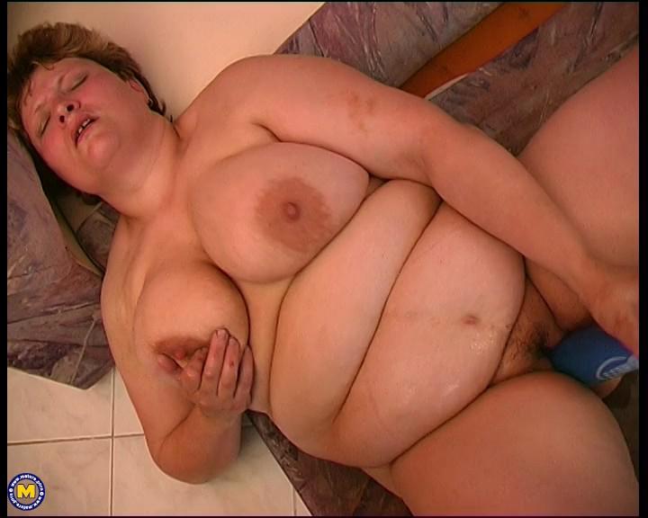 Jitka 40 - Big mature woman playing with herself-XXX