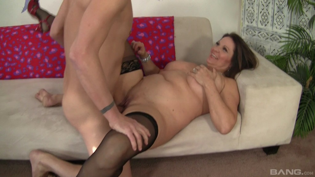 Older And Bolder 2 XXX 1080p WEBRip MP4-VSEX