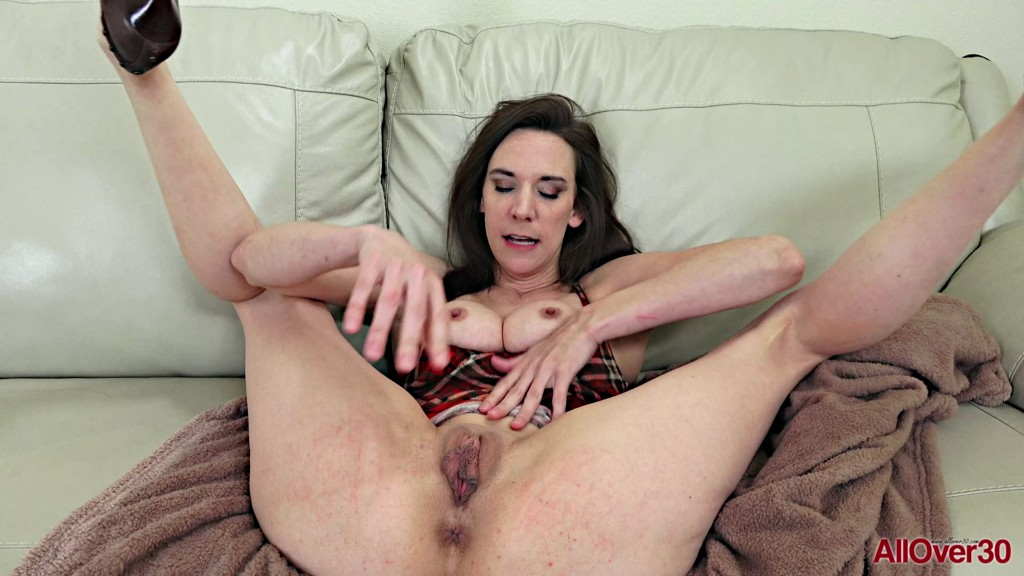 Free Download AllOver30 20 04 27 Alora Jaymes Interview XXX 1080p MP4-KTR