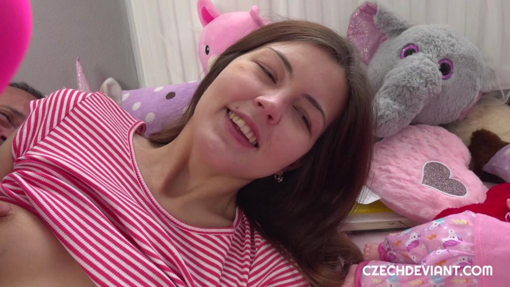 CzechDeviant 20 05 25 Cindy Shine CZECH XXX 1080p MP4-KTR